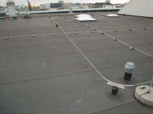 Seilsystem zur Flachdachabsturzsicherung